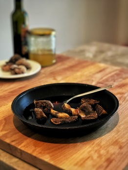 Balsamic-glazed figs